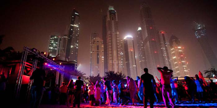 Night persons in Dubai